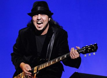 Daron Malakian, sus guitarras hasta 2021